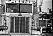 The truck that Peterbilt... 28a_yank